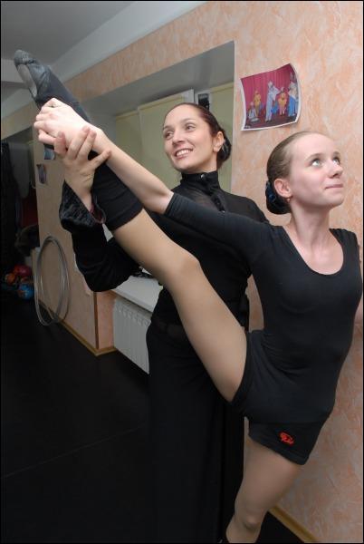 Безногая Елена Чинка работает хореографом