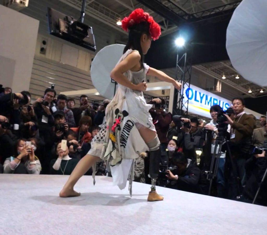 В Японии прошел фешн-показ протезов