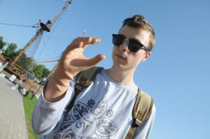 Воронежский файерщик, оставшийся без рук, помогает людям с ампутированными конечностями