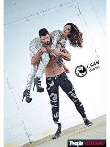 Девушка с бионической рукой и мужчина с протезом голени снялись в романтической фотосессии