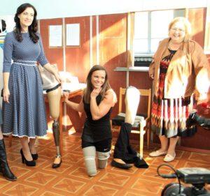 Спустя 20 лет на свою родину — в Украину — приехала известная американская спортсменка без ног, призер Паралимпийских игр Оксана Мастерс