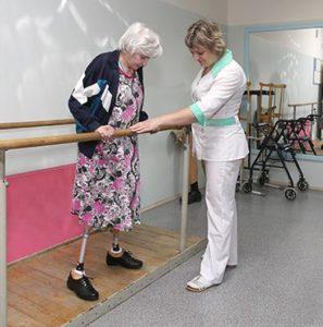 Как в Ярославле заново учат ходить пациентов, потерявших ноги
