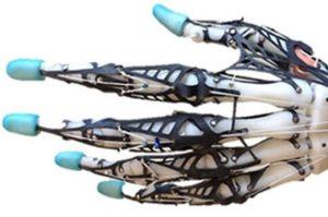 В США сделали анатомически натуральный бионический протез кисти руки