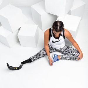 23-летней девушке с одной ногой поклонники прочат карьеру в индустрии моды