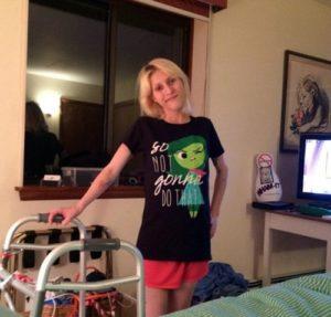 27-летняя девушка, страдающая от диабета, вышла из комы и обнаружила, что врачи ампутировали ей ногу
