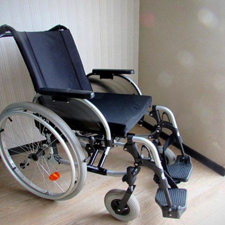 """Кресло-коляска для инвалидов """"Start"""" (OttoBock)"""