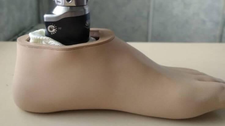 prosthetic leg 2